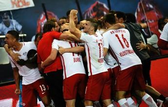 RB Leipzig segura o Dortmund, marca no fim e vence 1º jogo em casa na elite