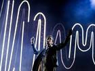 Arctic Monkeys fazem show pesado e sem firula para Anhembi lotado