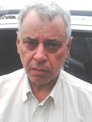 Homem confessou o crime na delegacia (Foto: Guilherme Lúcio da Rocha / G1)