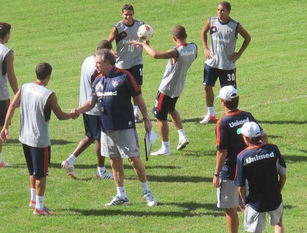 Novo uniforme de treino do Fluminense (Foto: Rafael Cavalieri / Globoesporte.com)