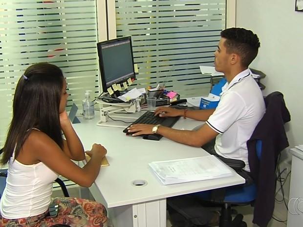 Estágios são portas de entrada imporantes nas empresas, ressalta Ciee (Foto: Reprodução/TV Anhanguera)