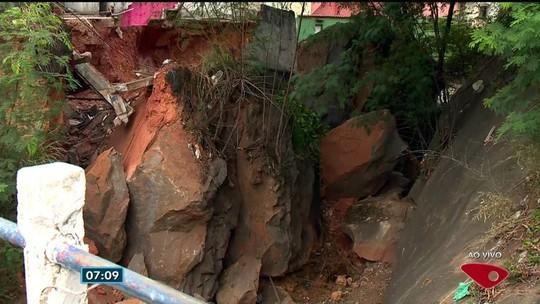 Pedra que caiu sobre linha de trem será retirada em até 15 dias no ES