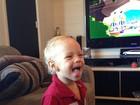 Filho de Neymar aparece dando língua em foto