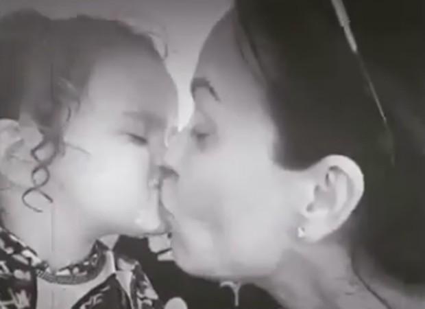 Flávia Monteiro e a filha, SOphia, de 1 ano e 10 meses (Foto: Reprodução/Instagram)