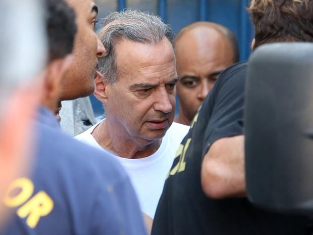 O empresário Adir Assad, preso da Operação Saqueador, é transferido do Presídio Ary Franco para o Complexo Penitenciário de Gericinó (Bangu 8) em Bangu, na Zona Oeste do Rio de Janeiro (Foto: Fábio Motta/Estadão Conteúdo)