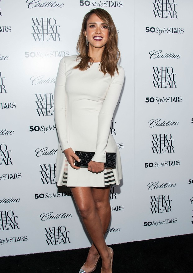 WEST HOLLYWOOD, CA - OCTOBER 24:  Actress Jessica Alba arrives at the Who What Wear And Cadillac's 50 Most Fashionable Women Of 2013 Event at The London Hotel on October 24, 2013 in West Hollywood, California.  (Photo by Valerie Macon/Getty Images) (Foto: Getty Images)