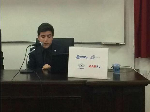 Augusto Sampaio apresenta artigo sobre direito noa Estados Unidos (Foto: Augusto Sampaio/ Arquivo Pessoal)