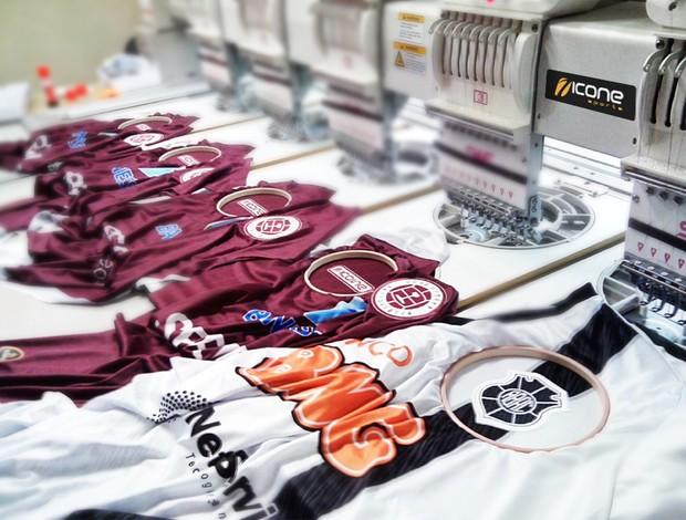 Fabricantes das camisas de Brancão e Tiva espera vender ainda mais em 2013 (Foto: Divulgação/Ícone Sports)
