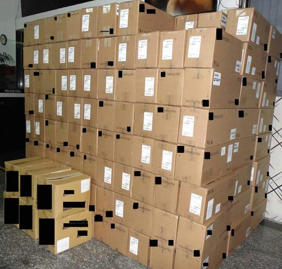 Polícia recuperou carga de computadores roubada em Jacareí (Foto: Divulgação/Polícia Militar)