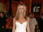 Provador EGO: Ajude Jennifer Aniston a escolher seu vestido de noiva