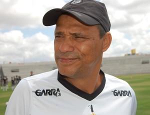 Éverton Goiano, técnico do Treze (Foto: João Brandão Neto / GloboEsporte.com)