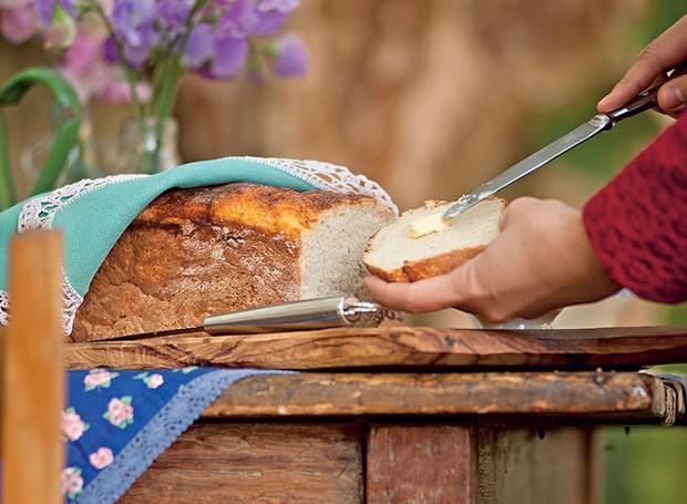 E que tal preparar um pão de mandioca? A delícia, bem quentinha, vai agradar a família inteira (Foto:  Ricardo Corrêa/Casa e Comida)