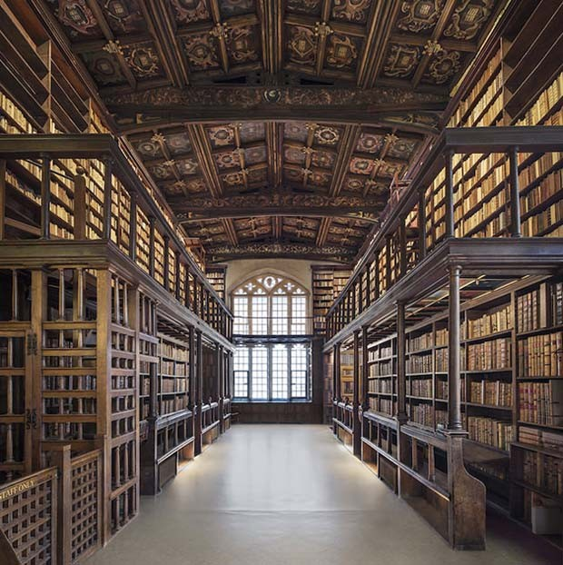 Biblioteca Duke Humfrey, em Oxford, na Inglaterra (Foto: Reinhard Görner)