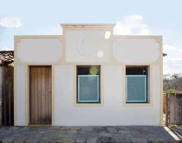 Decoração singela, casa de Mario Cirri,Ilha do Ferro, em Alagoas (Foto: Projeto Sertões)