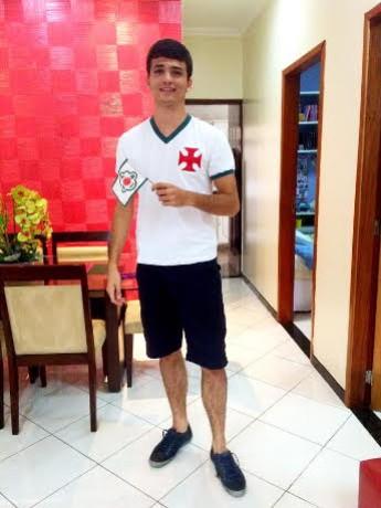 Vitor tem 20 anos e nunca viu a Tuna Luso na primeira divisão (Foto: Arquivo Pessoal)