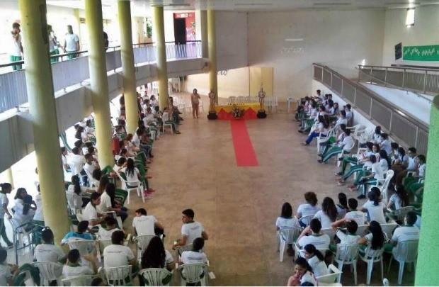 Alunos de escola no interior do Ceará sofrem intoxicação por alimentação na unidade de ensino (Foto: Américo Filho/Arquivo pessoal)