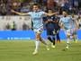 Liga Europa: Van Persie faz primeiro gol pelo Fenerbahçe e garante vitória