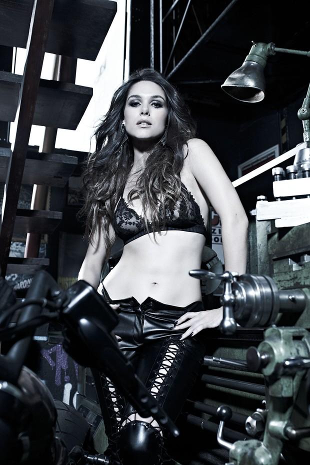 Fernanda Machado fotografa para a Revista VIP (Foto: Revista VIP / Divulgação)