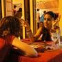 Rock Street tem fila para consulta com cartomante (Glauco Araújo/G1)