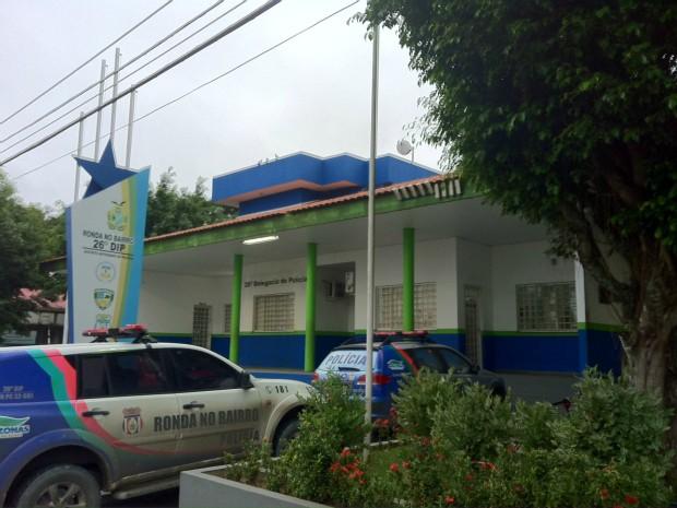 Segundo a polícia, seis vítimas reconheceram o rapaz no 26º Distrito Integrado de Polícia (DIP), localizado no Bairro Santa Etelvina (Foto: Tiago Melo/G1 AM)