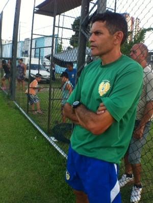 João Carlos não gostou do entrosamento apresentado pelo grupo (Foto: Adeilson Albuquerque)