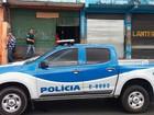 Polícia fecha galpão de desmanche de carros no subúrbio de Salvador