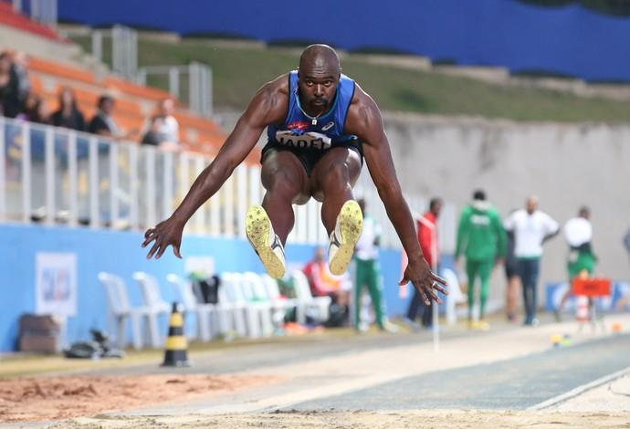 Jadel Gregório salta no Troféu Brasil de Atletismo (Foto: Ricardo Bufolin/ECP)