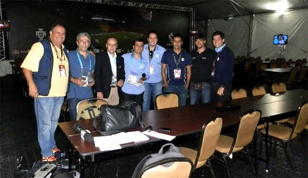 Equipe da EPTV Campinas na cobertura dos treinos da seleção de Portugual  (Foto: Carlos Velardi)