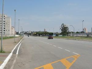 Trânsito na Avenida Cívica será interrompido aos finais de semana (Foto: Cristina Requena/G1)