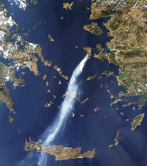 Grécia incêndio (Foto: Nasa Earth Observatory/AFP)