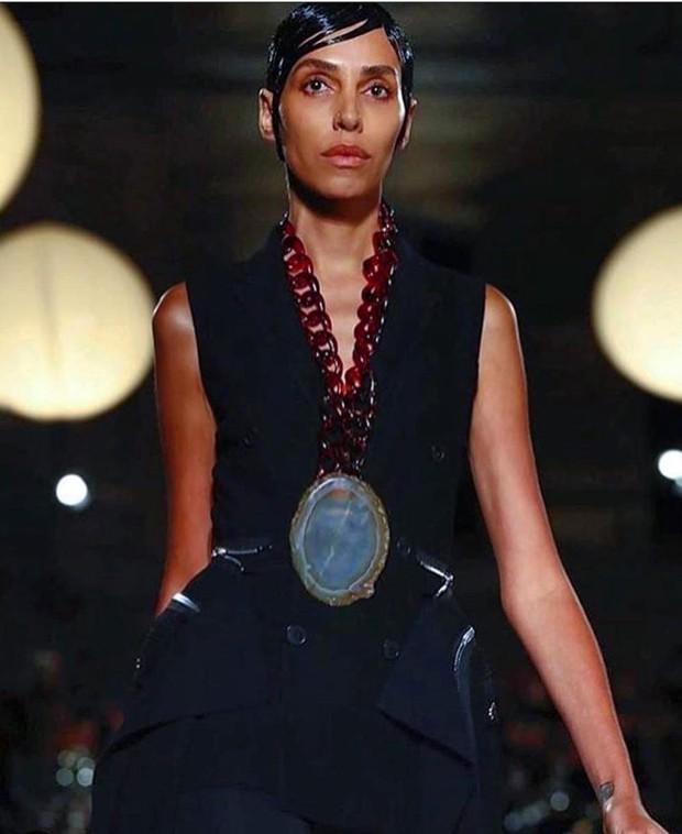 Lea T. no desfile da Givenchy (Foto: Reprodução /  Instagram)