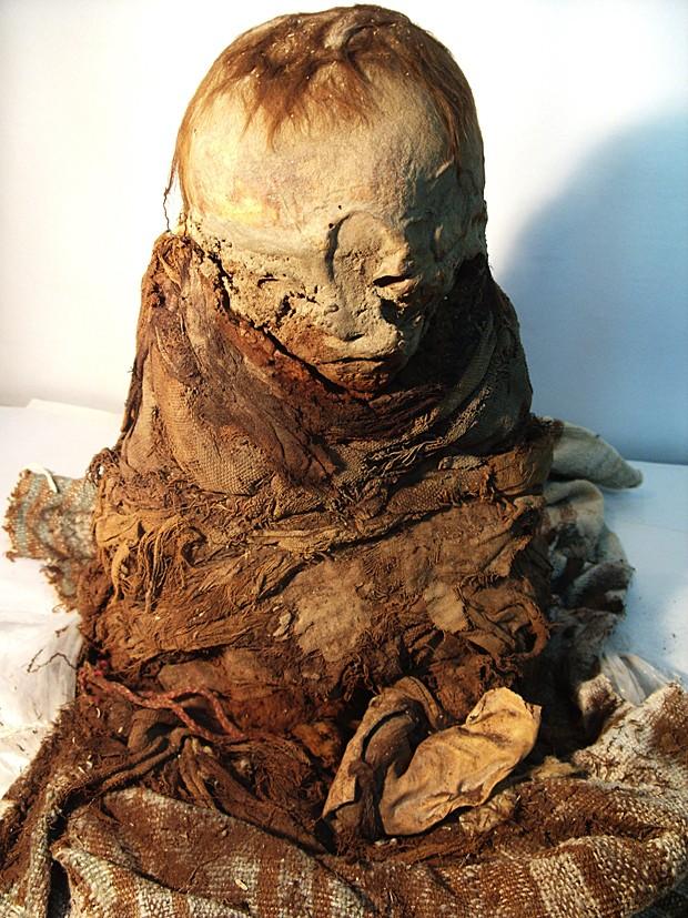 Múmia Peru (Foto: Peruvian Ministry of Culture/AP)