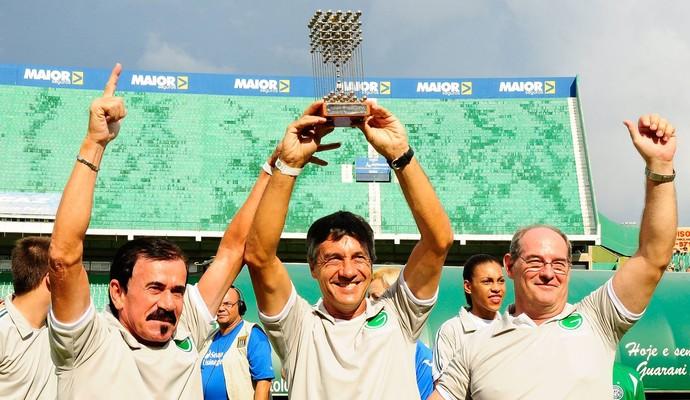Homenagem do Guarani a Neneca conta com Zenon e Renato, campeões em 1978 (Foto: Rodrigo Villalba / Memory Press)