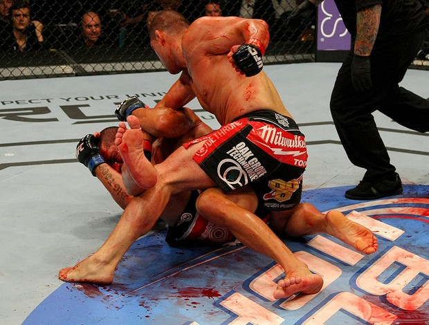 UFC146 Cain Velasquez Antonio Silva (Foto: Agência Getty Images)