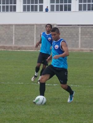 Luís Jorge, lateral-esquerdo do Maranhão (Foto: Bruno Alves)
