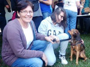Amanda e Ednai Ferreira vieram de Assis para adotar um cachorro (Foto: Renata Marconi/G1)