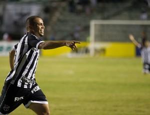 Felipe Azevedo gol Ceará (Foto: Dorivan Marinho / Ag. Estado)