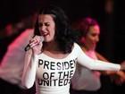 Na véspera do aniversário, Katy Perry se apresenta em comício de Obama