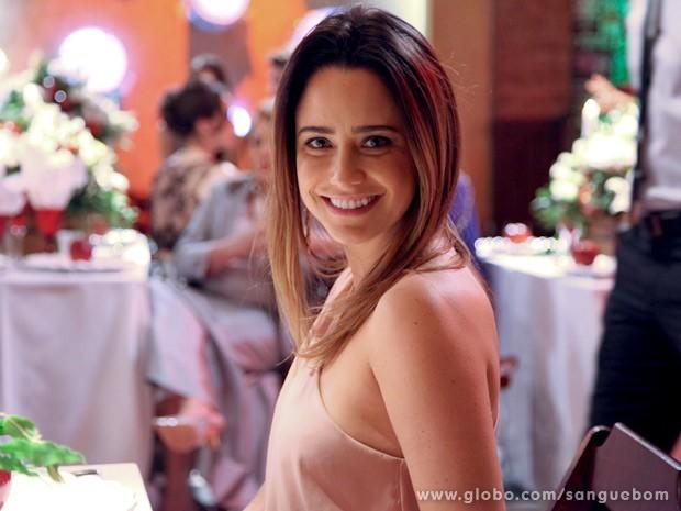 Linda, Fernanda Vasconcellos sorri nas últimas gravações (Foto: Jacson Vogel/TV Globo)