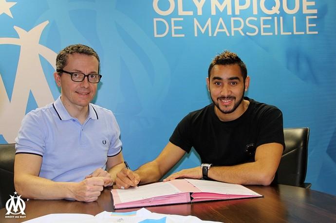 Dimitri Payet assina contrato com o Olympique de Marseille (Foto: Divulgação)