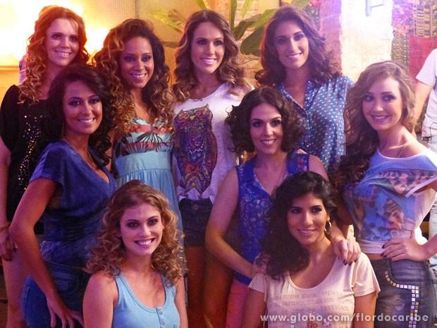 Viviane Victoretti, Cinara Leal e Fernanda Pontes, farão parte do grupo de garçonetes bailarinas do bar (Foto: Flor do Caribe / TV Globo)