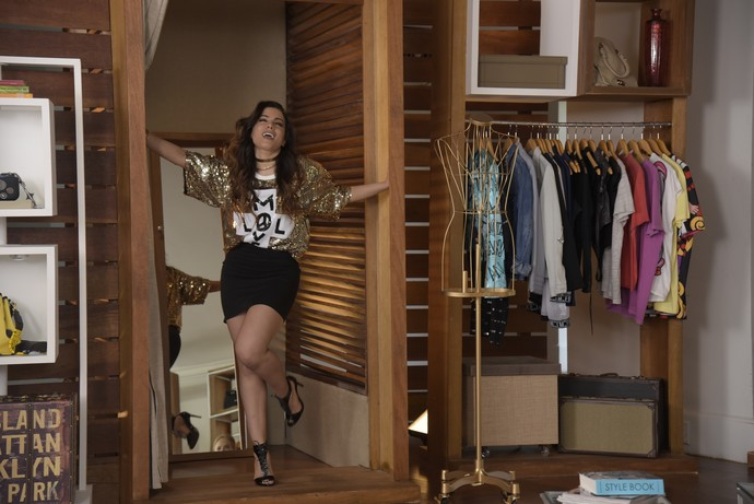 Anitta monta looks para Angélica (Foto: Raphael Dias/Gshow)