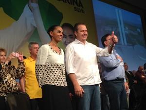 O candidato do PSB à Presidência, Eduardo Campos, ao lado de Marina Silva, candidata a vice (Foto: Nathalia Passarinho / G1)