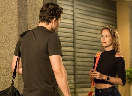 Bárbara coloca Caio contra a parede: 'Você e a mãe da Joana tiveram um rolo?'
