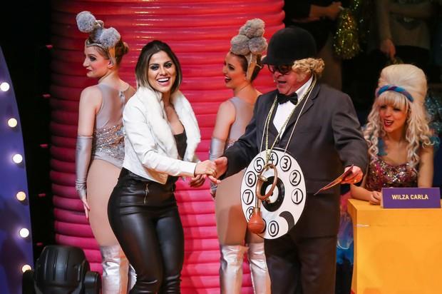Ex-BBB Vanessa rebola durante musical em São Paulo com Stepan Nercessian (Foto: Manuela Scarpa/Photo Rio News)