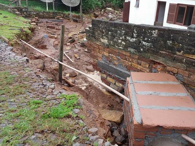 Estragos provocados pela chuva em Dom Pedro de Alcântara (Foto: Diego Raupp/Arquivo Pessoal)
