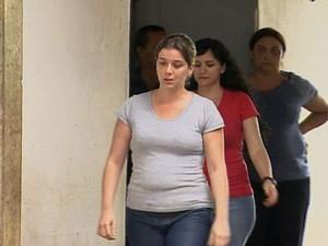 Natália Ponte foi libertada por volta das 17h30 desta quarta-feira da Cadeia Feminina de Franca, SP (Foto: Reprodução/EPTV)