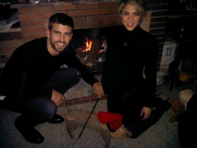Piqué publicou foto do seu Natal ao lado de Shakira (Foto: Reprodução/Twitter)