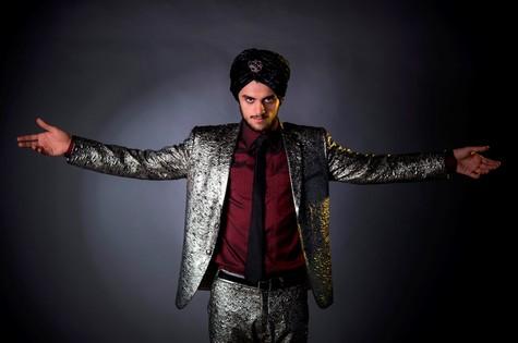 Felipe Simas como Herculano Quintanilha, de 'O astro' (Foto: Raphael Dias/Gshow)