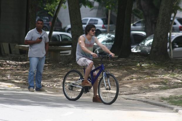 "Fiuk grava o curta ""Julio sumiu"" na Lagoa, no Rio (Foto: JC Pereira e Gil Rodrigues / Foto Rio News)"